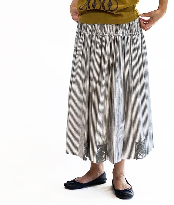 レティチェラレース付きギャザーたっぷりスカート