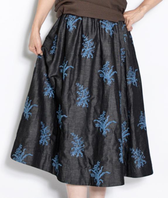 綿麻デニムのすずらん刺繍スカート