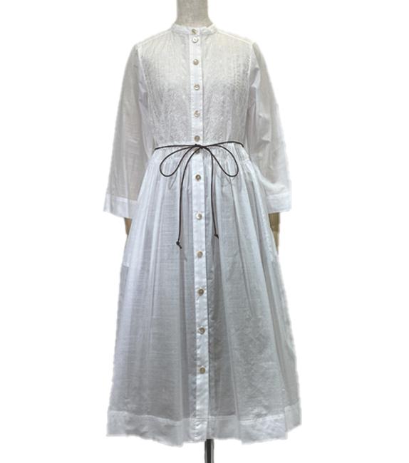 羽織ってもおしゃれな刺繍布使いの綿ローンワンピース