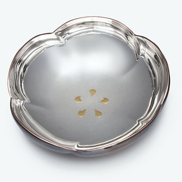 銀製梅型菓子鉢