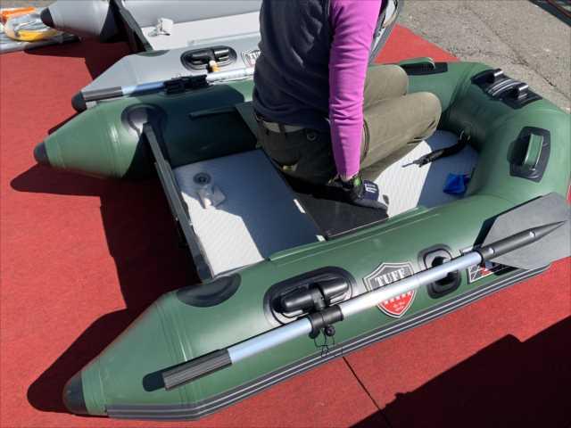 極小の本格的なトランサム艇/BEE A180TM/TUFF BODY/17kg