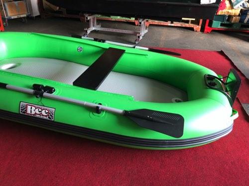 Bass専用/88cmワイドな船内/Vキール搭載・BEE280ワイドV・中古艇「Aクラス」