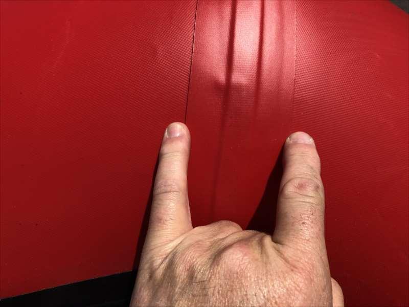 人気のベストセラーBEE 300M/ REDxBlack
