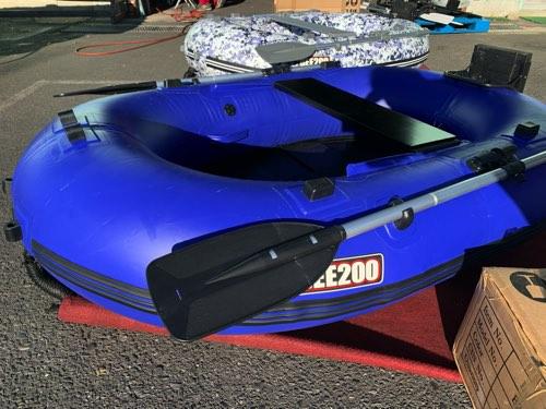 ソロアングラーにオススメ! 軽量 BEE200WR�/ブルーカラー限定