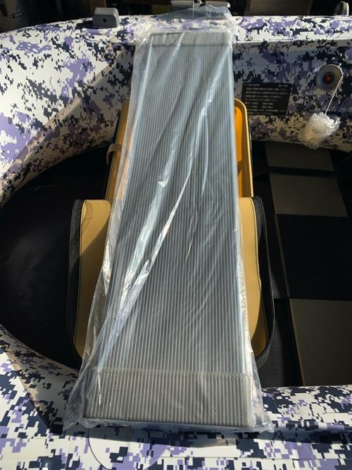 売れてます!座席下に収納&完全防水!BEEシートバッカン65cm