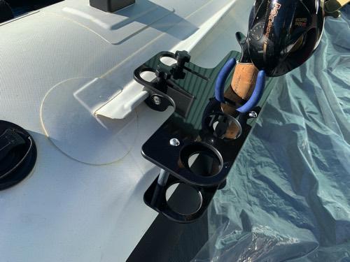 チューブの内側/外側取付可能!BEE直立ロッドホルダー/4本仕様