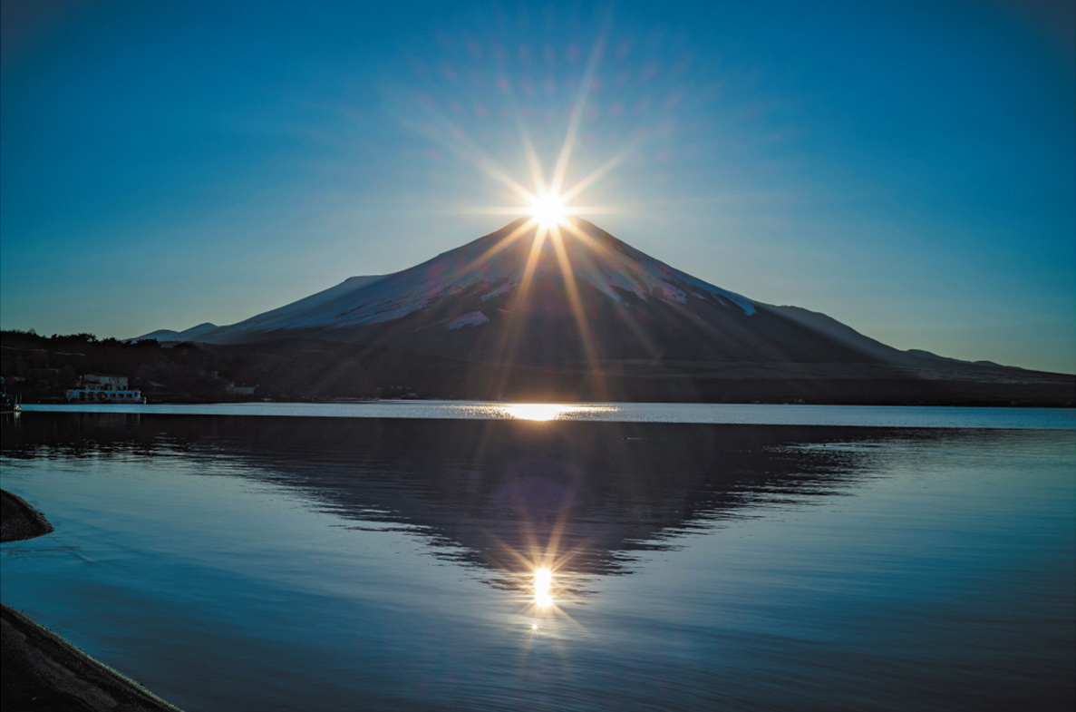 カメラマン 2022カレンダーシリーズ 07 西沢千晶「ダイヤモンド富士 〜Diamond-Fuji〜」」