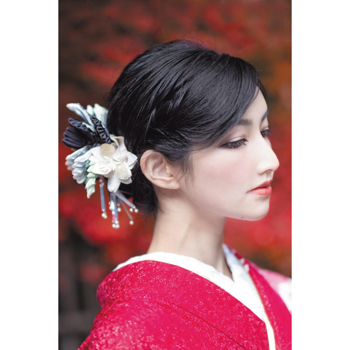 カメラマン 2022カレンダーシリーズ 13 吉川みな「楚々」