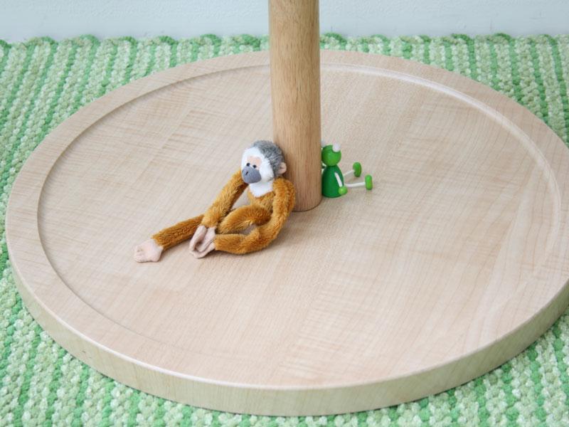 優しい木目が特徴の北欧ナチュラルテイストのコートハンガー|KO