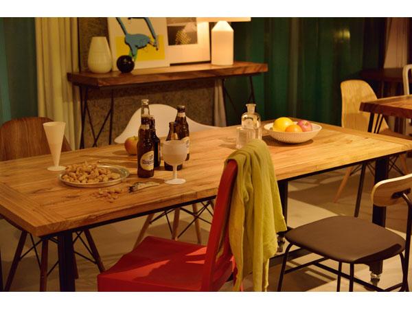キャスターの付いたダイニングテーブル | Gou | 180cm