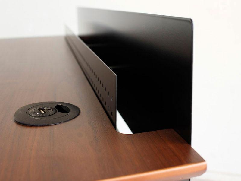 USBポート付きデスク | Smat | インダストリアル