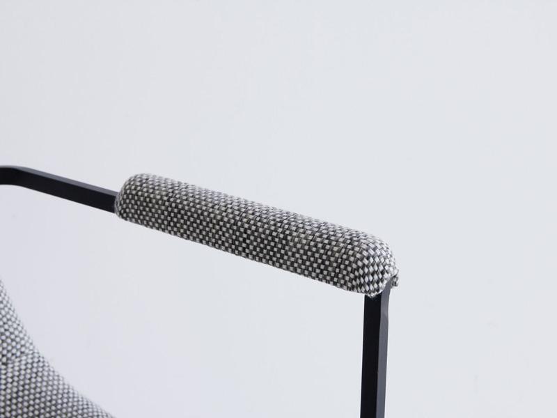 コンパクトな肘付き書斎用チェア|ヴィンテージ風