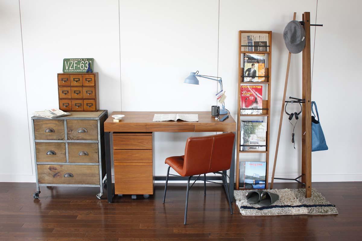 ウォルナットの書斎デスク 幅120cm スチール脚のデスク