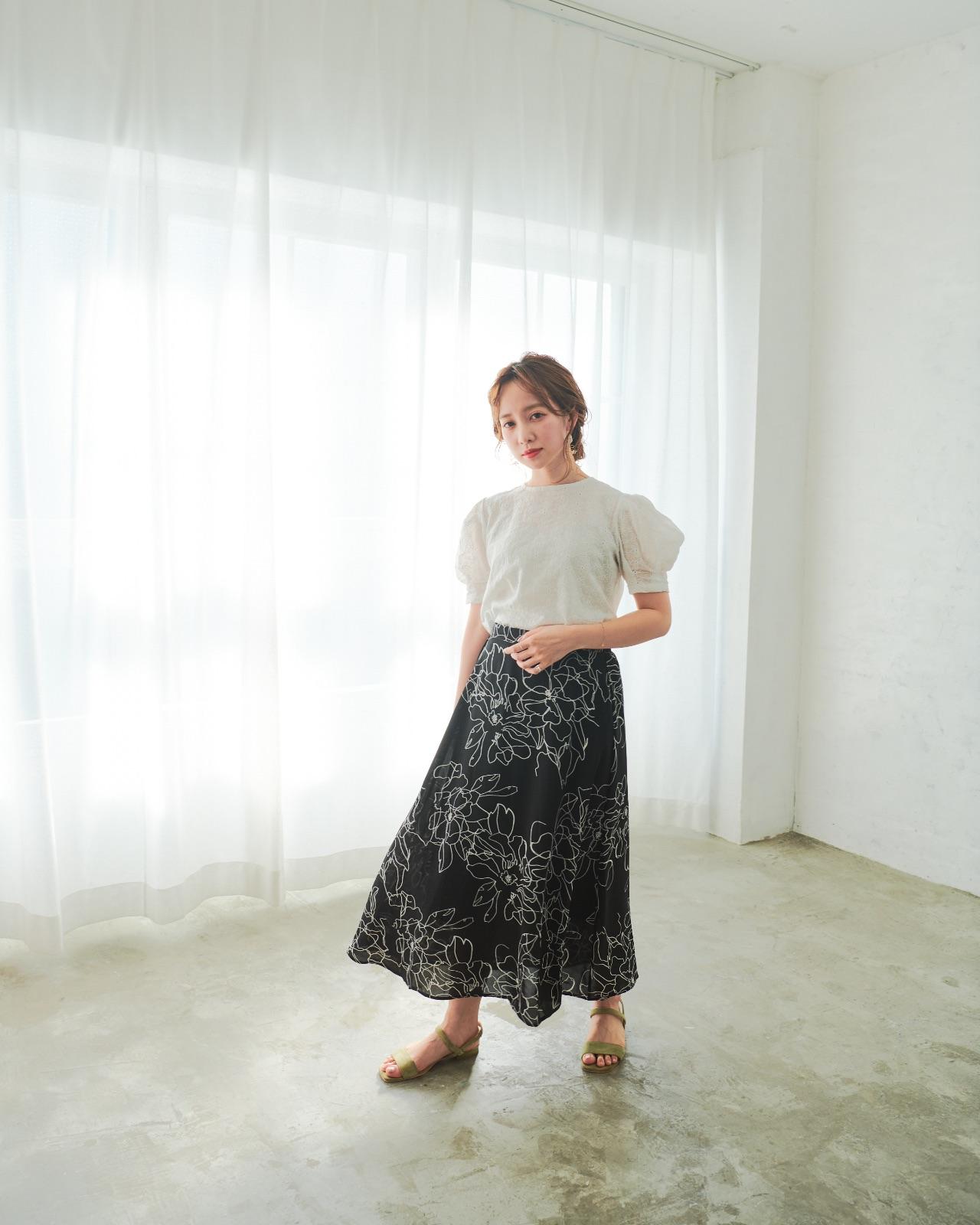 花柄モノトーンフレアコラボスカート-m[sirene]u-
