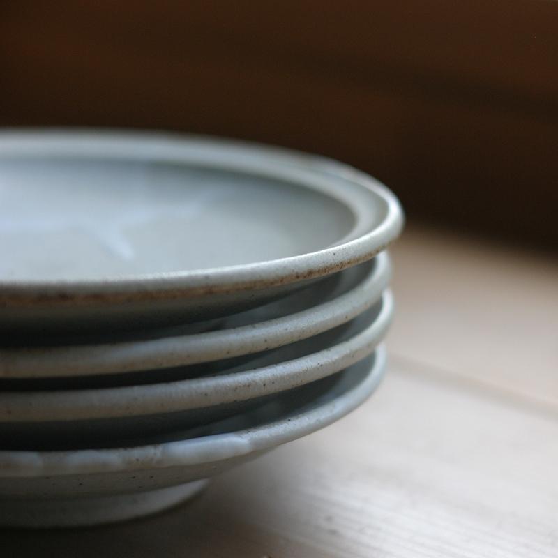 (三温窯)六寸皿(ケヤキ釉)