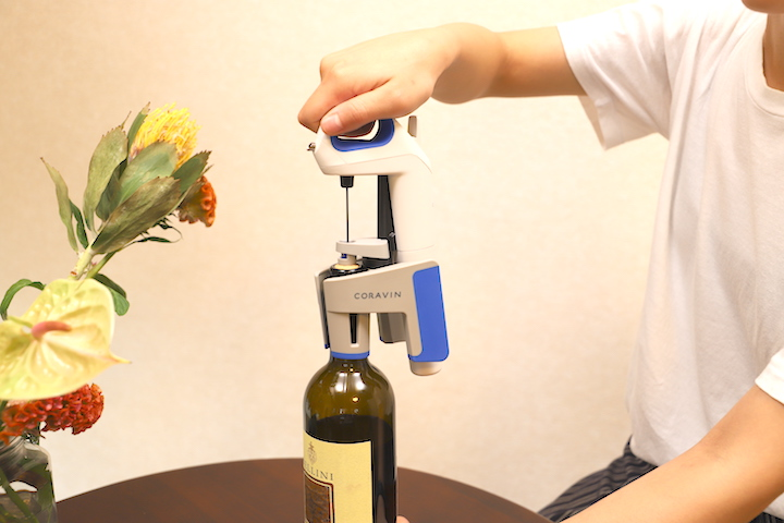 コルクを抜かずにワインを飲める! 『CORAVIN(コラヴァン)』モデル1