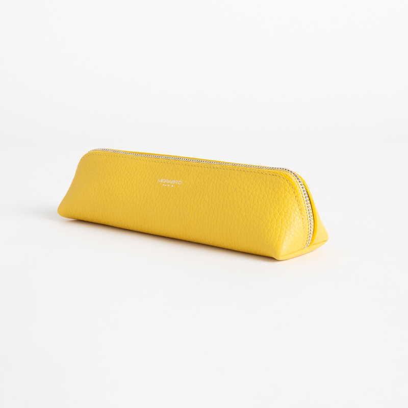【NEW】 Pen Case ペン ケース カーフ (ライニング:ラムレザー) イエロー 90E (シルバー金具)