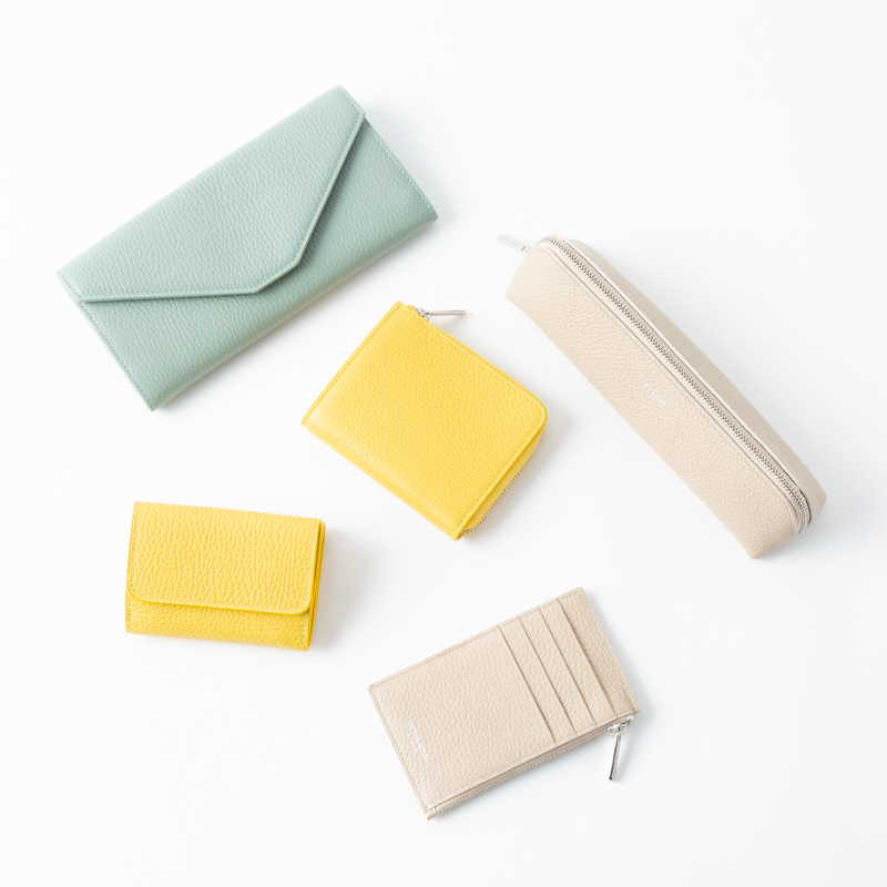 【NEW】Key Card Case (ZIP付) キーカードケース (ZIP付) カーフ (ライニング:ラムレザー) イエロー 90E (シルバー金具)