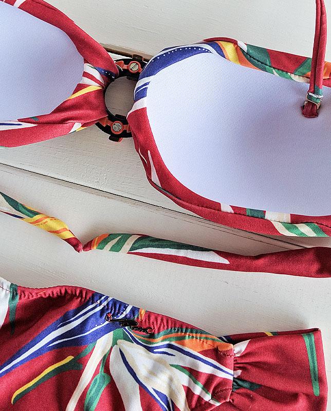フロントリング付きボタニカルバンドゥ—水着 レッドマルチ Morena Rosa