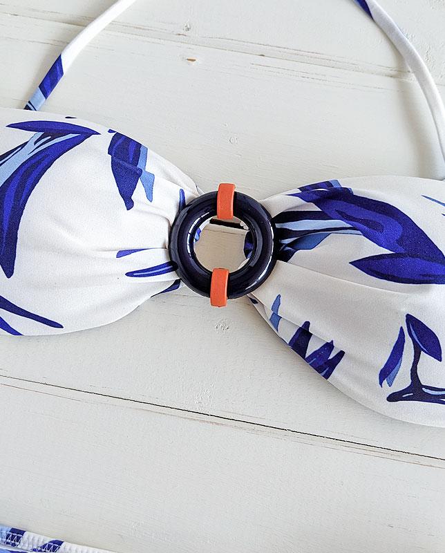 フロントリング付きボタニカルバンドゥ—水着 ホワイトマルチ Morena Rosa