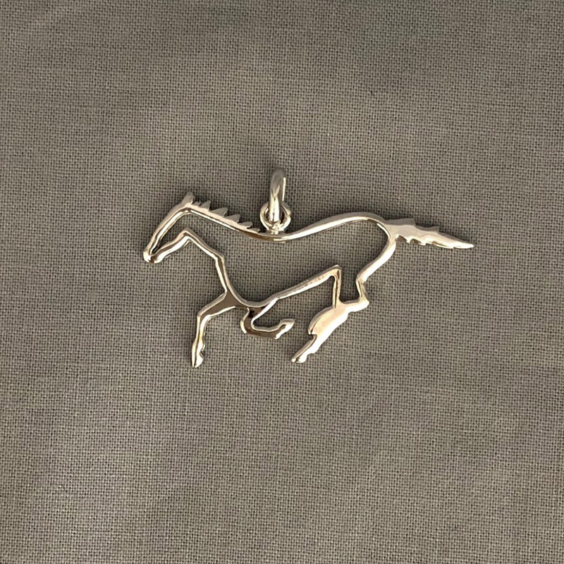 銀製 切抜き 馬 B
