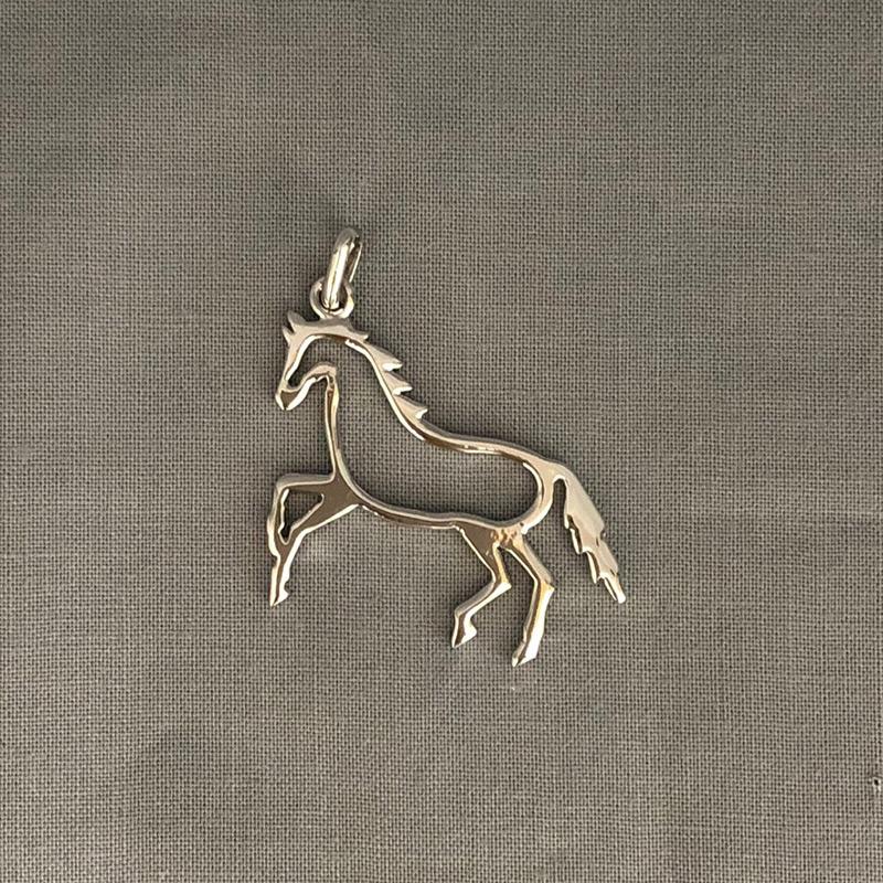 銀製 切抜き 馬 C