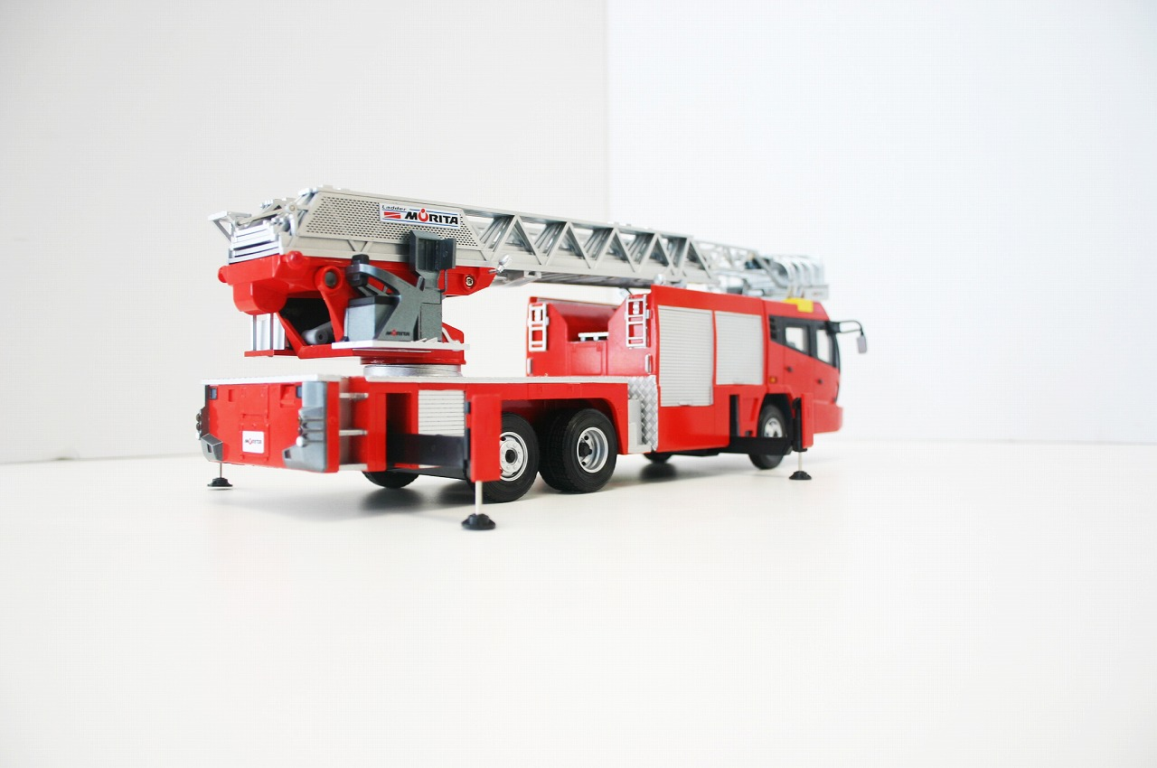 【在庫限り】 モリタオリジナル 先端屈折式はしご付消防車スーパージャイロラダー スケールモデル(1/32サイズ)