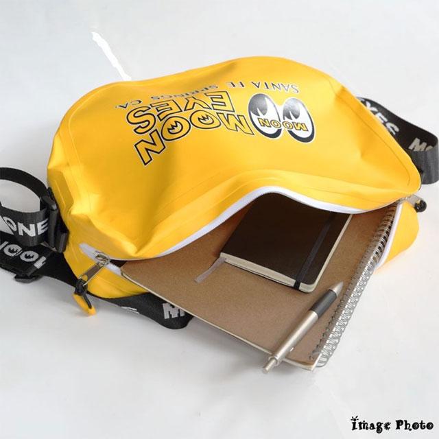 【MOON EYES】防水ショルダーバッグ(OMB-006)ムーンアイズ レインバッグ