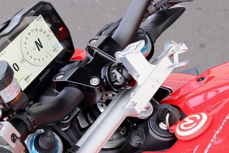 ユニバーサルマウントシステム マウントベース Ducati StreetFighter V4シリーズ