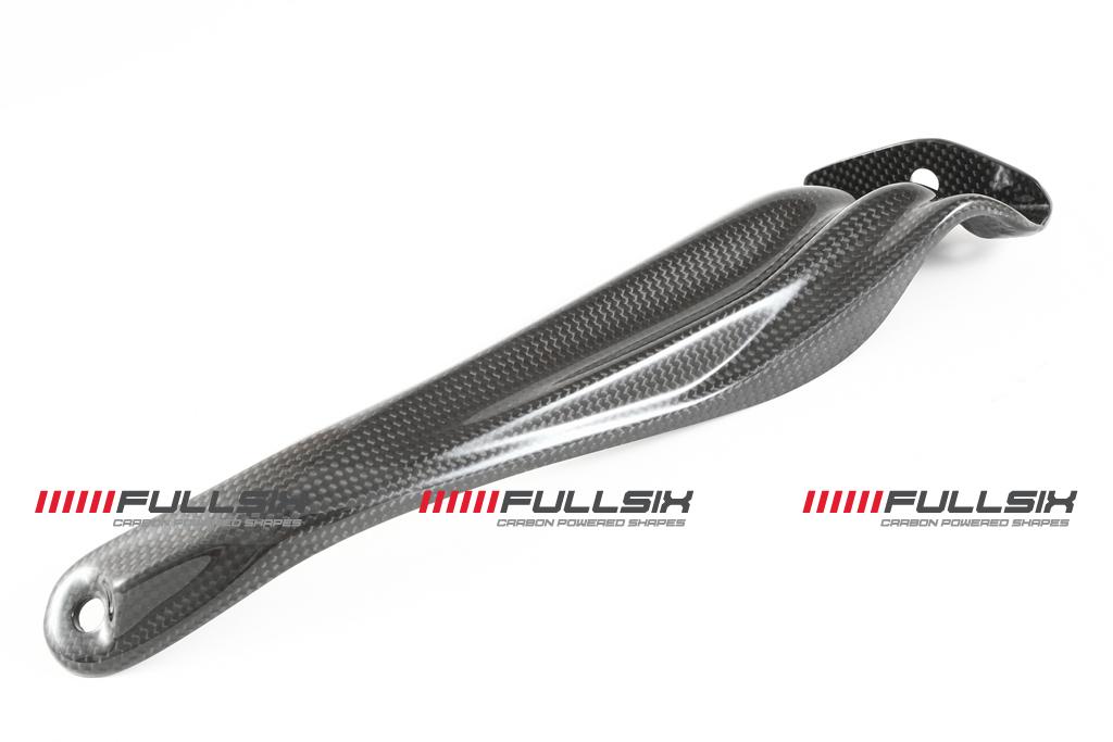 FULLSIX(フルシックス) ドライカーボン製 マフラーサイレンサーブラケット DUCATI STREET FIGHTER 848/1100(09)