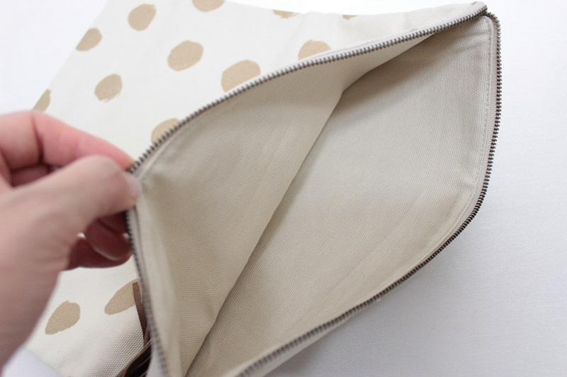 ★60%OFF★ arkakama アルカカマ Tassel Clutch Bag THIS IS aDOT CREAM×GOLD