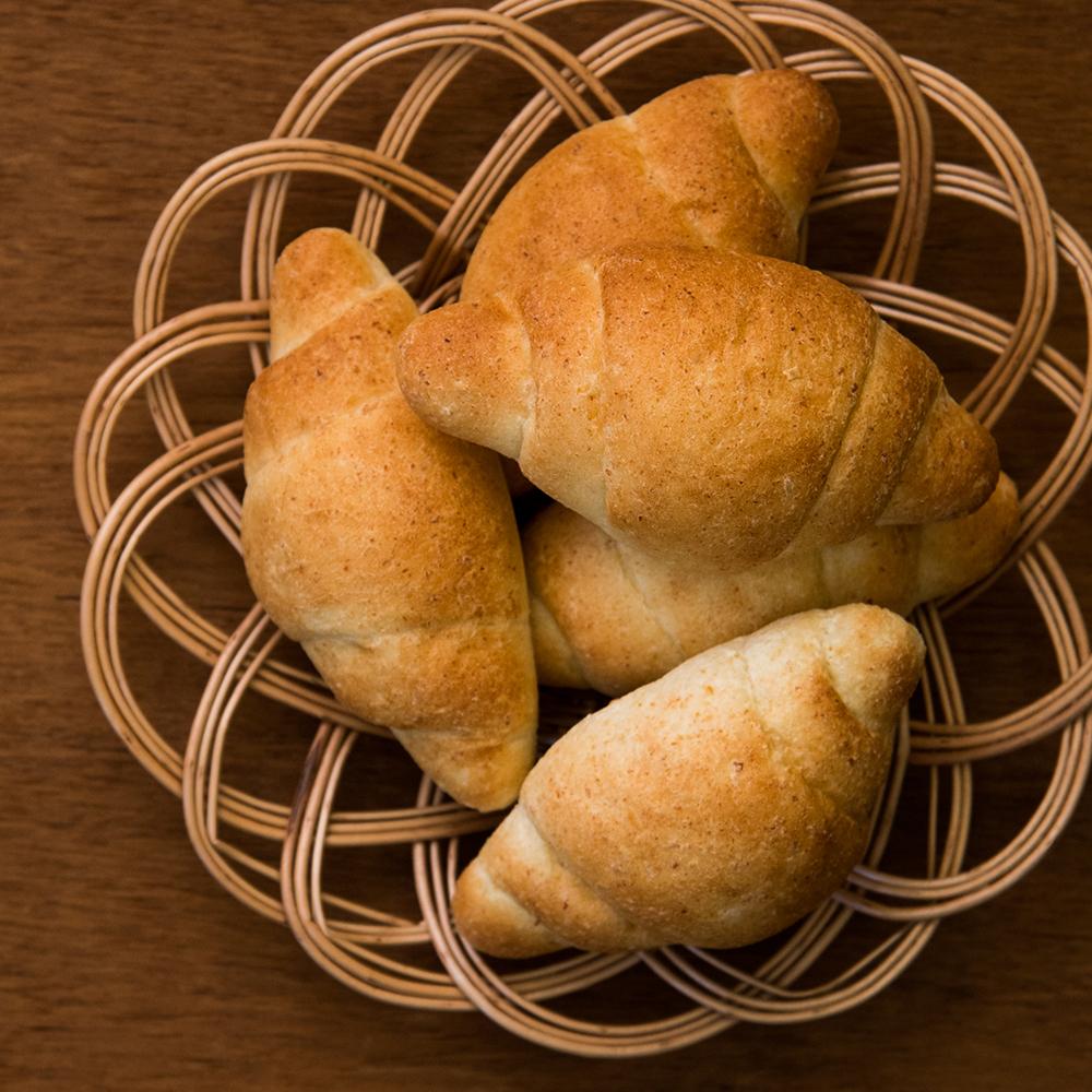 生おからパン(ロール)5個入り 《冷凍》