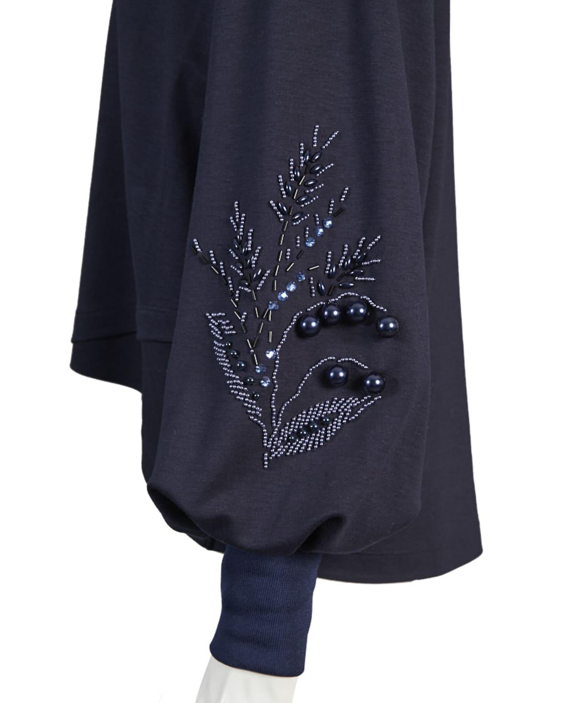 ビジュー刺繍プルオーバー