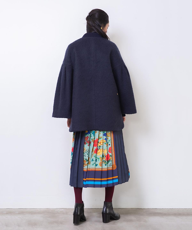 フラワーモチーフ刺繍ブルゾン