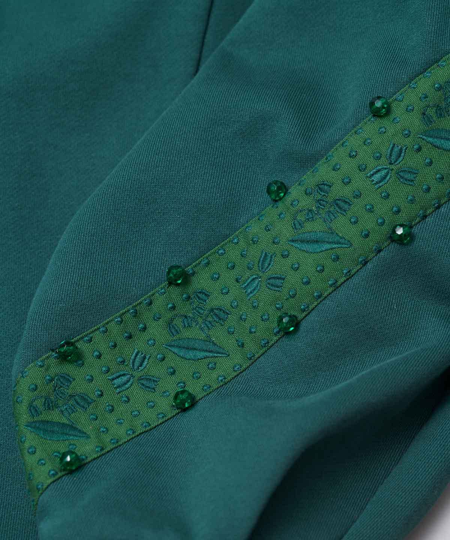 スズラン刺繍裏毛プルオーバー