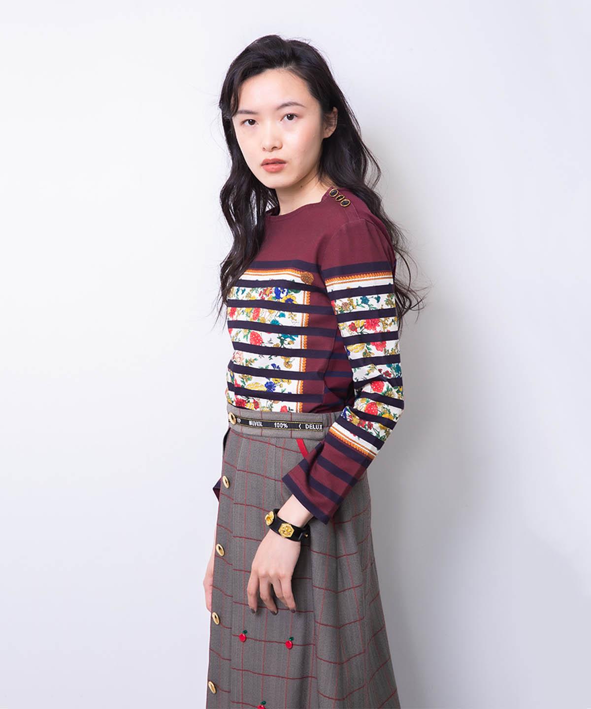 リンゴ刺繍スカート