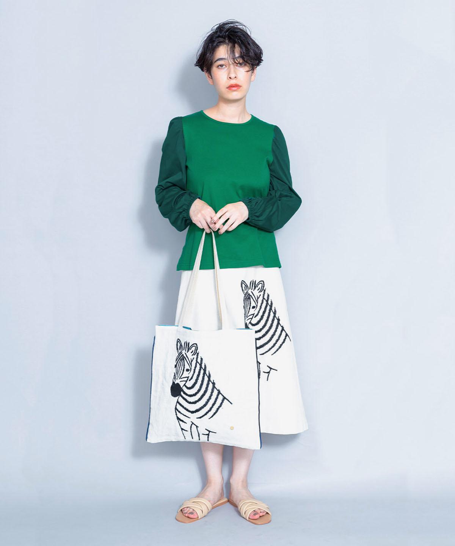シマウマ刺繍スカート