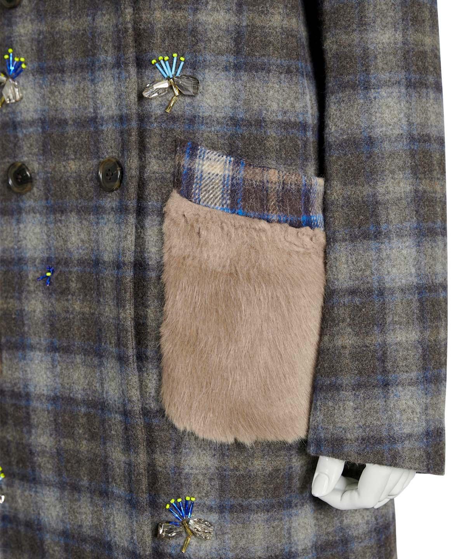 刺繍入りチェックコート