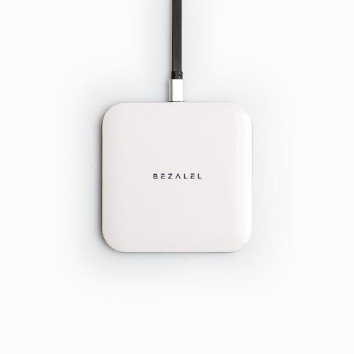 ワイヤレス充電器 BEZALEL Futura X Turbo 10W Wireless Charging Pad(ベザレル フーツラエックスターボ 10ワット ワイヤレスチャージングパッド)Qi チー対応 超薄型 置くだけで充電 スマートフォン スマホ 充電パッド