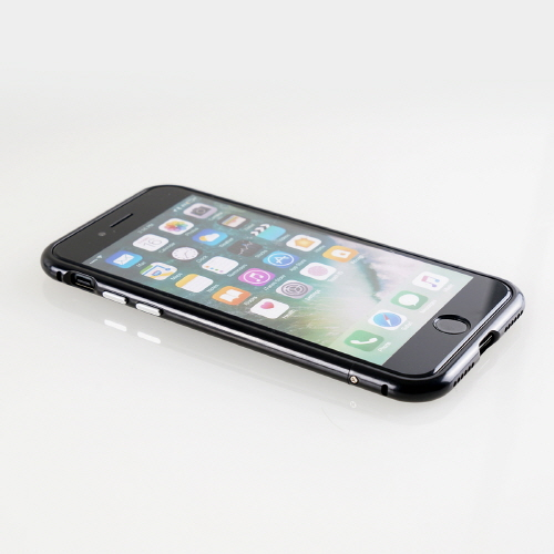 iPhone SE 第2世代 se2 ケース iPhone 8 / 7アルミニウムバンパー GAZE  Round Fit(ゲイズ ラウンドフィット)アイフォン ケース カバー アルミ製 メタルフレーム