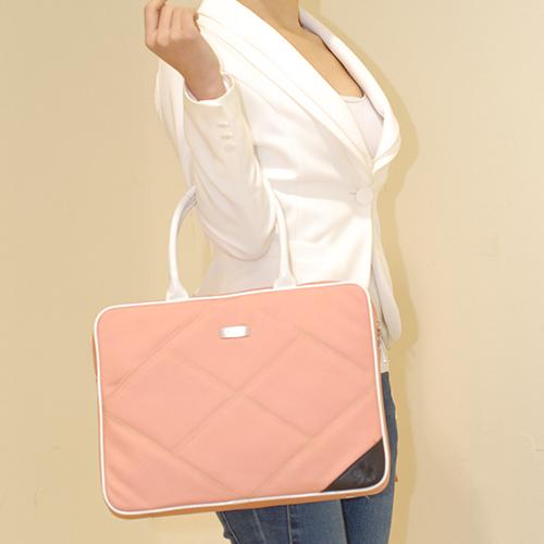 B2401P パソコンバッグ 女性用 エリン(Erin)スリムキャリア Slim Carrier ピンク おしゃれなPCバッグ!  pc バッグ 女性用 新生活