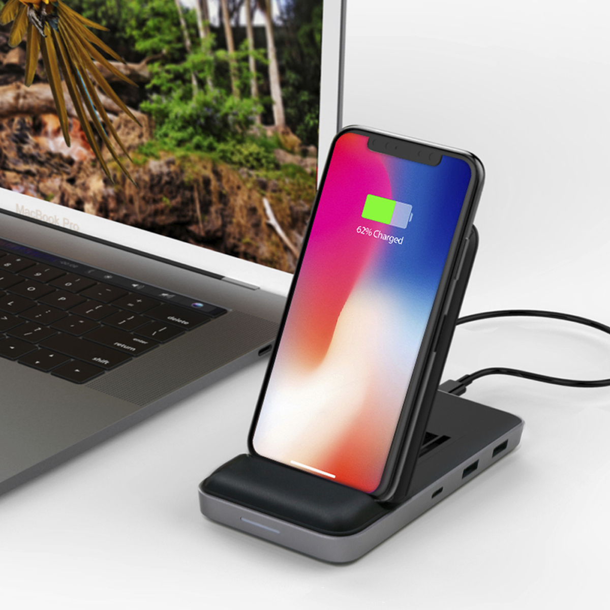 HyperDrive 8in1 USB-C Hub + Qi Wireless Charger Stand 【USB-Cハブ / ワイヤレス充電器 / 可変式スタンド付き】