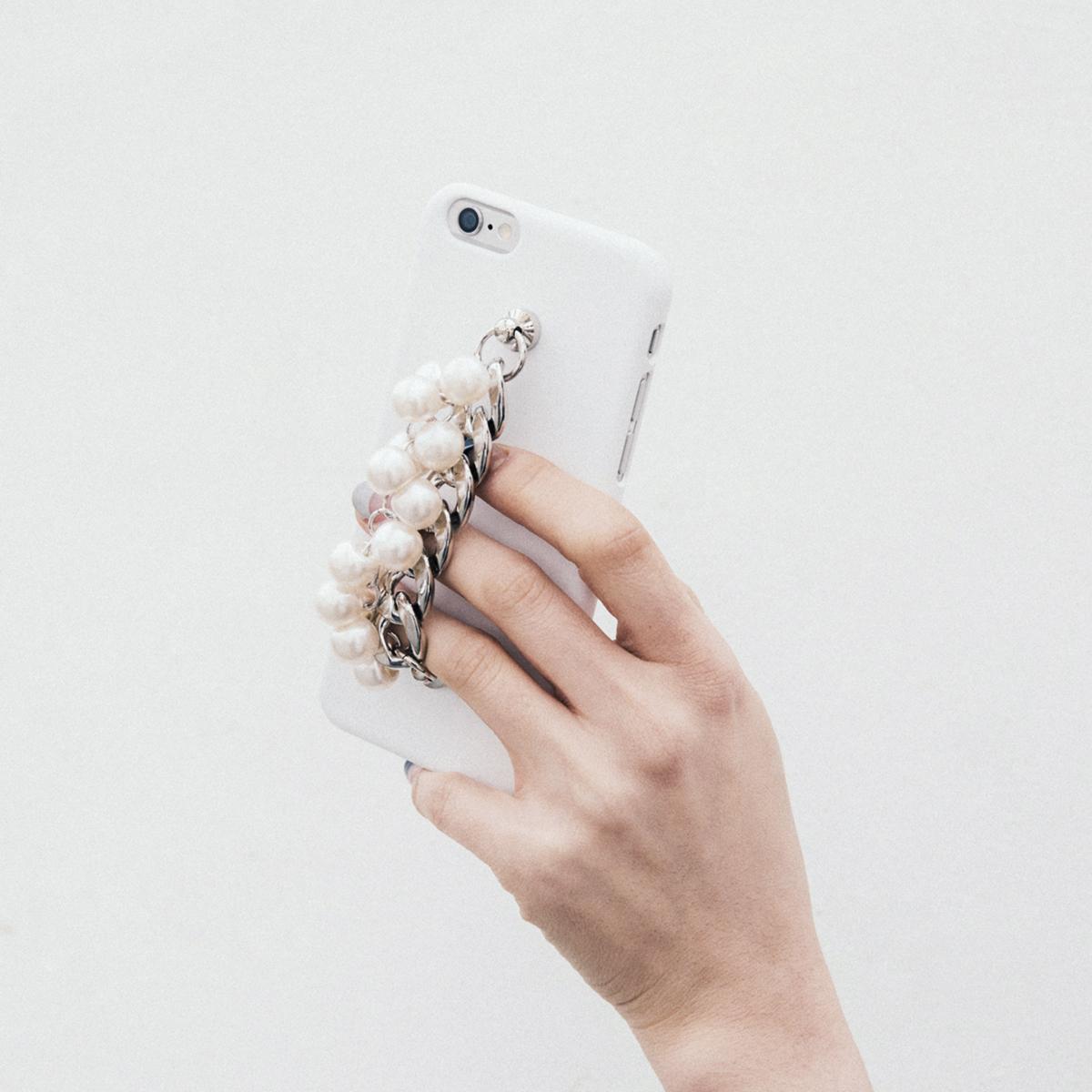 iPhone6s/6 ケース パール&チェーン カバーmidnight moment x abbi (ミッドナイトモーメント アビィ)アイフォン