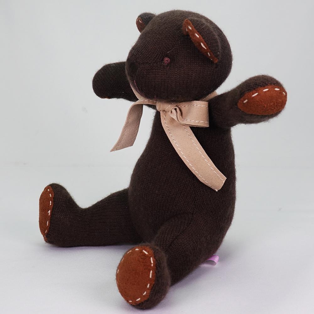 名入れ刺しゅうで、世界にひとつのカシミヤ・テディベア。ビターチョコレート色のチョコ・キッドベア【24cm】