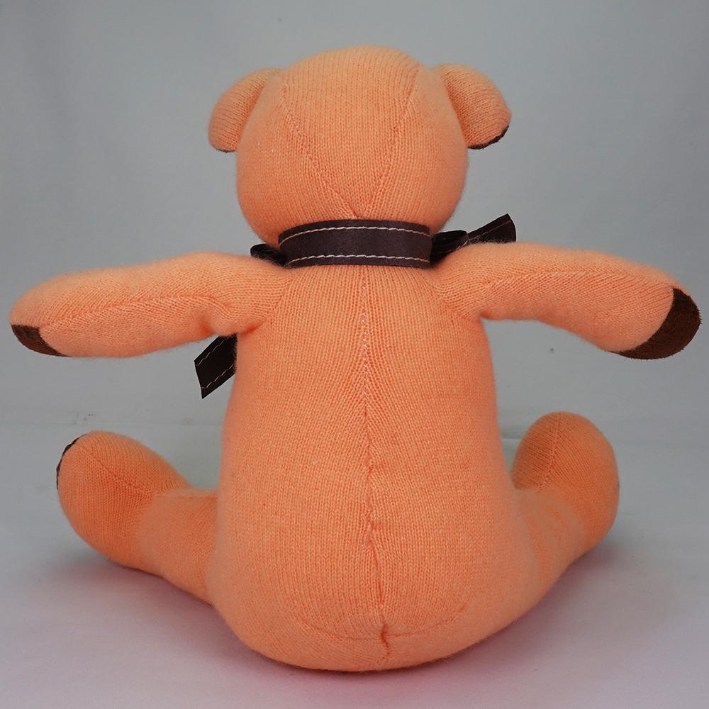 高級カシミヤ製テディベア。優しいオレンジ色のマンゴー・パパベア【30cm】