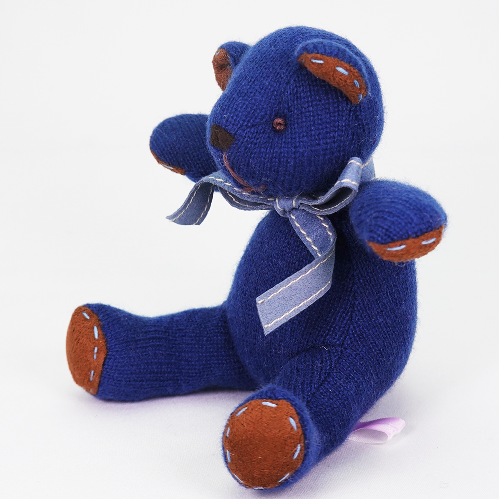 高級カシミヤ製ベビー・テディベア。紺色のネイビー・ベビーベア【15cm】