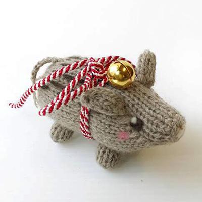 高級カシミヤの棒針の編みぐるみ。亥年のカシミヤ猪【4cm】