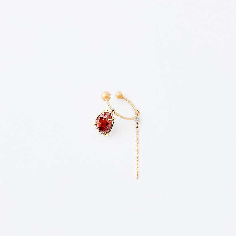 ADAMAS レッドナチュラルダイヤモンド ツメ イヤカフ(左耳用)