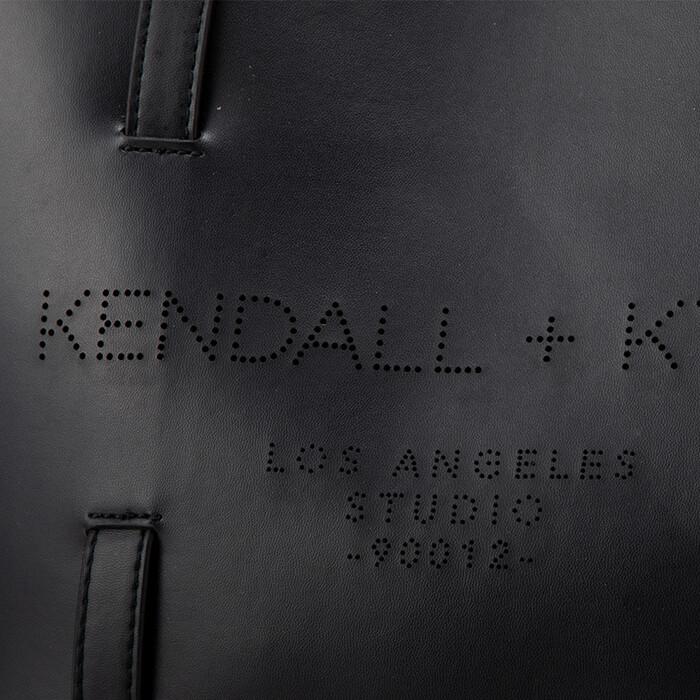Kendall+Kylie IZZY ≪ケンダルアンドカイリー イジー≫