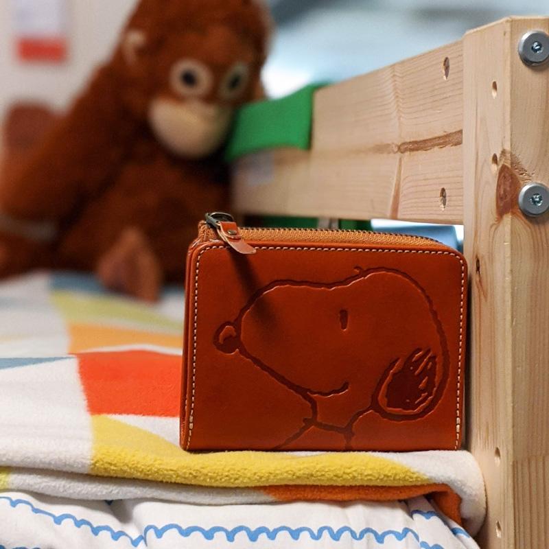 【PEANUTS】スヌーピーの二つ折り財布